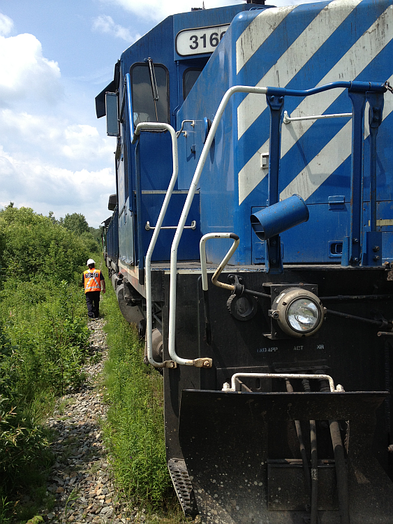 TSB investigators examining locomotive